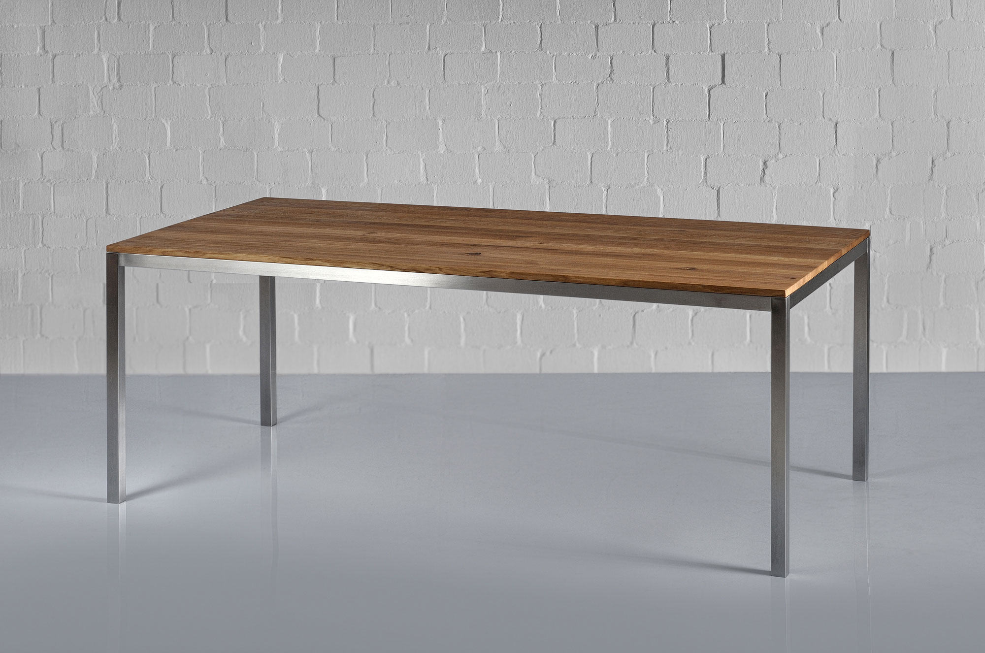 Aluminium Wood Table NOJUS 1 custom made in solid wood by vitamin design