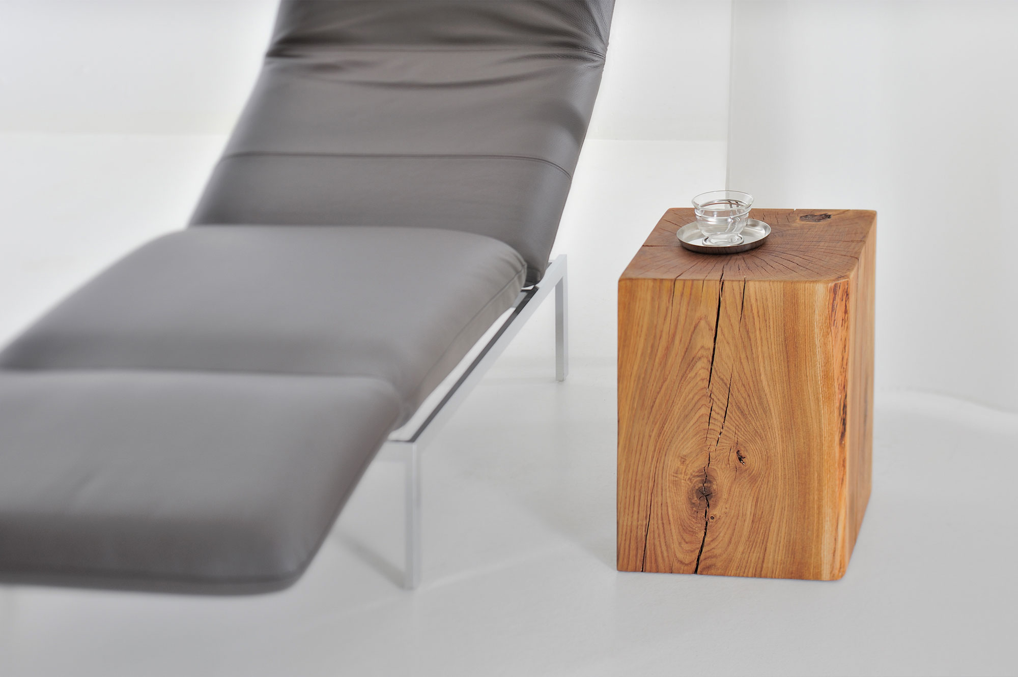 Tree Trunk Stool KLOTZ 3694 custom made in solid wood by vitamin design