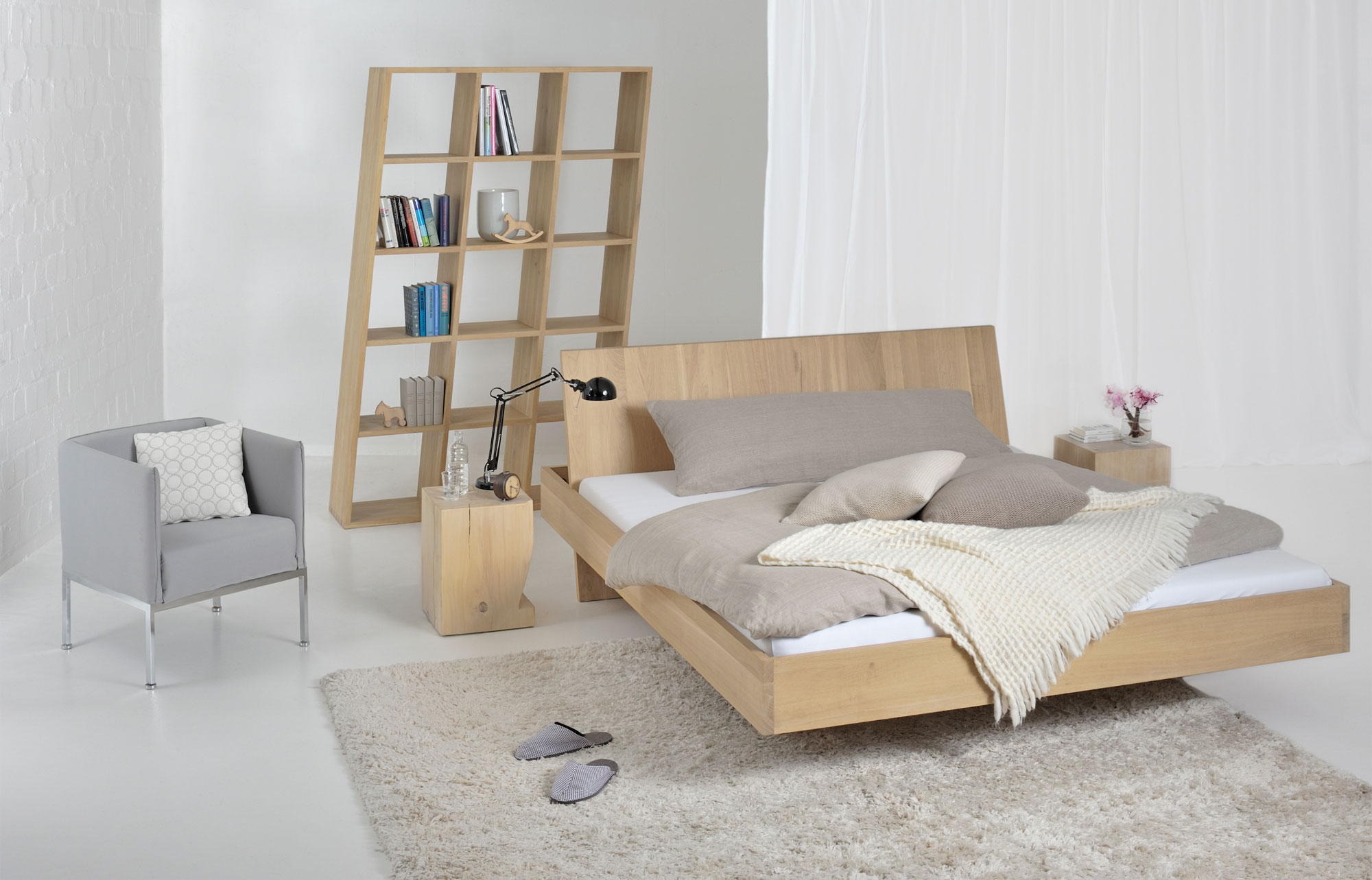 Design Solid Wood Bed SOMNIA 3023 custom made in solid wood by vitamin design