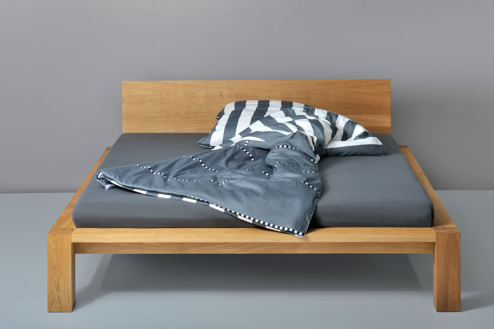 Rustic Oak Bed TAURUS pc1686 custom made in solid wood by vitamin design