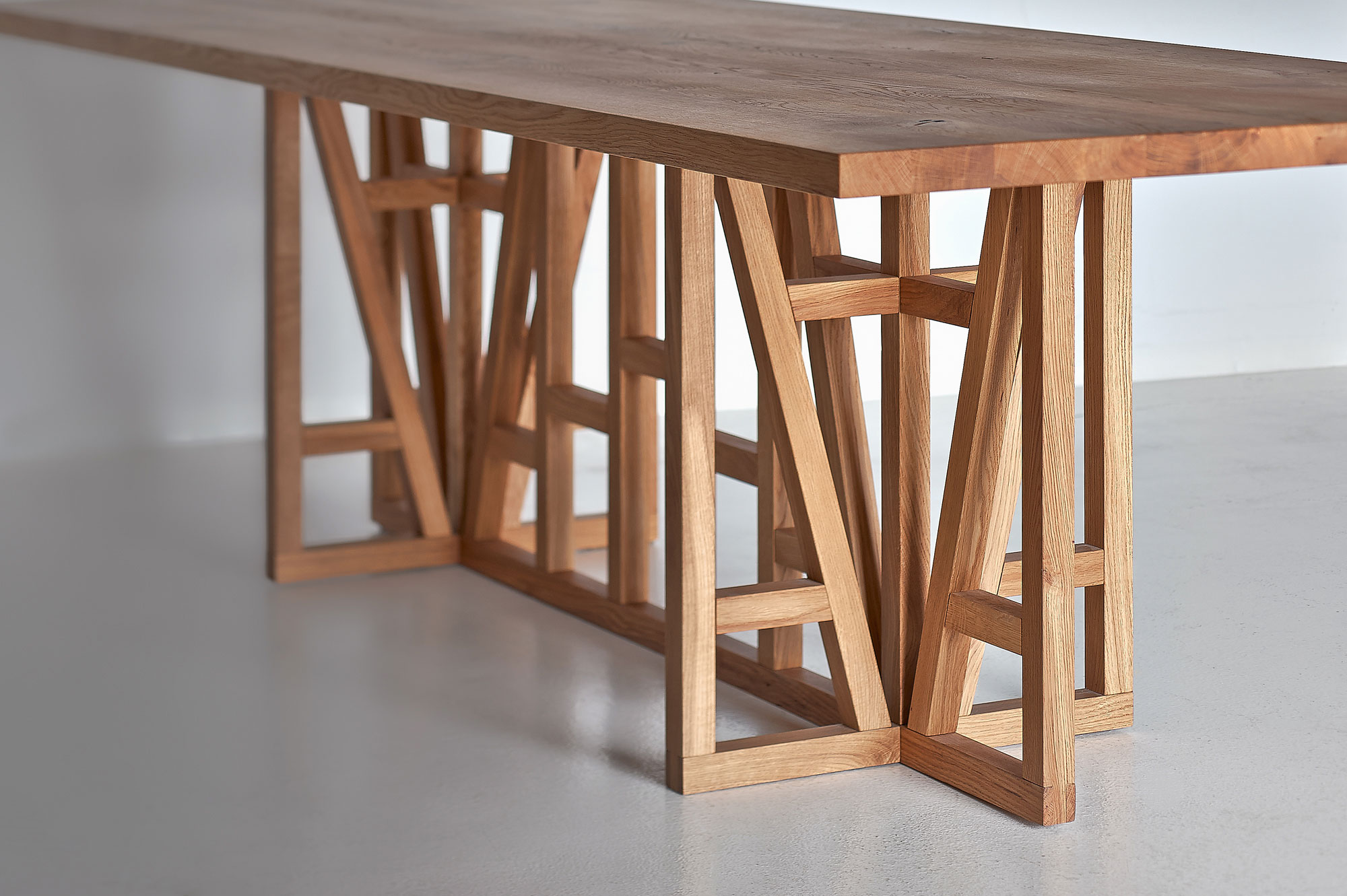 Designer Solid Wood Table FACHWERK 0043aW custom made in solid wood by vitamin design