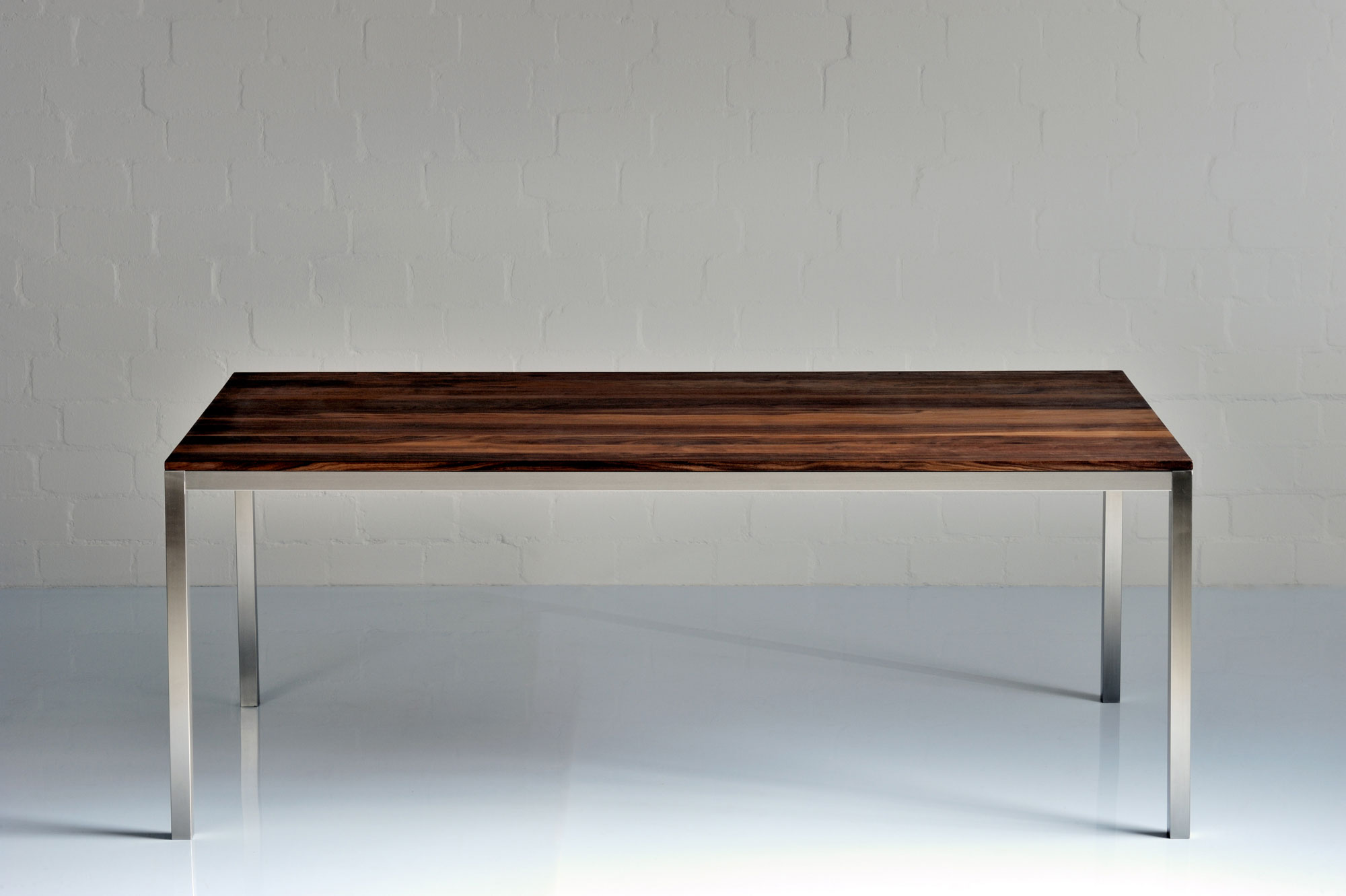 Aluminium Wood Table NOJUS 0977a custom made in solid wood by vitamin design