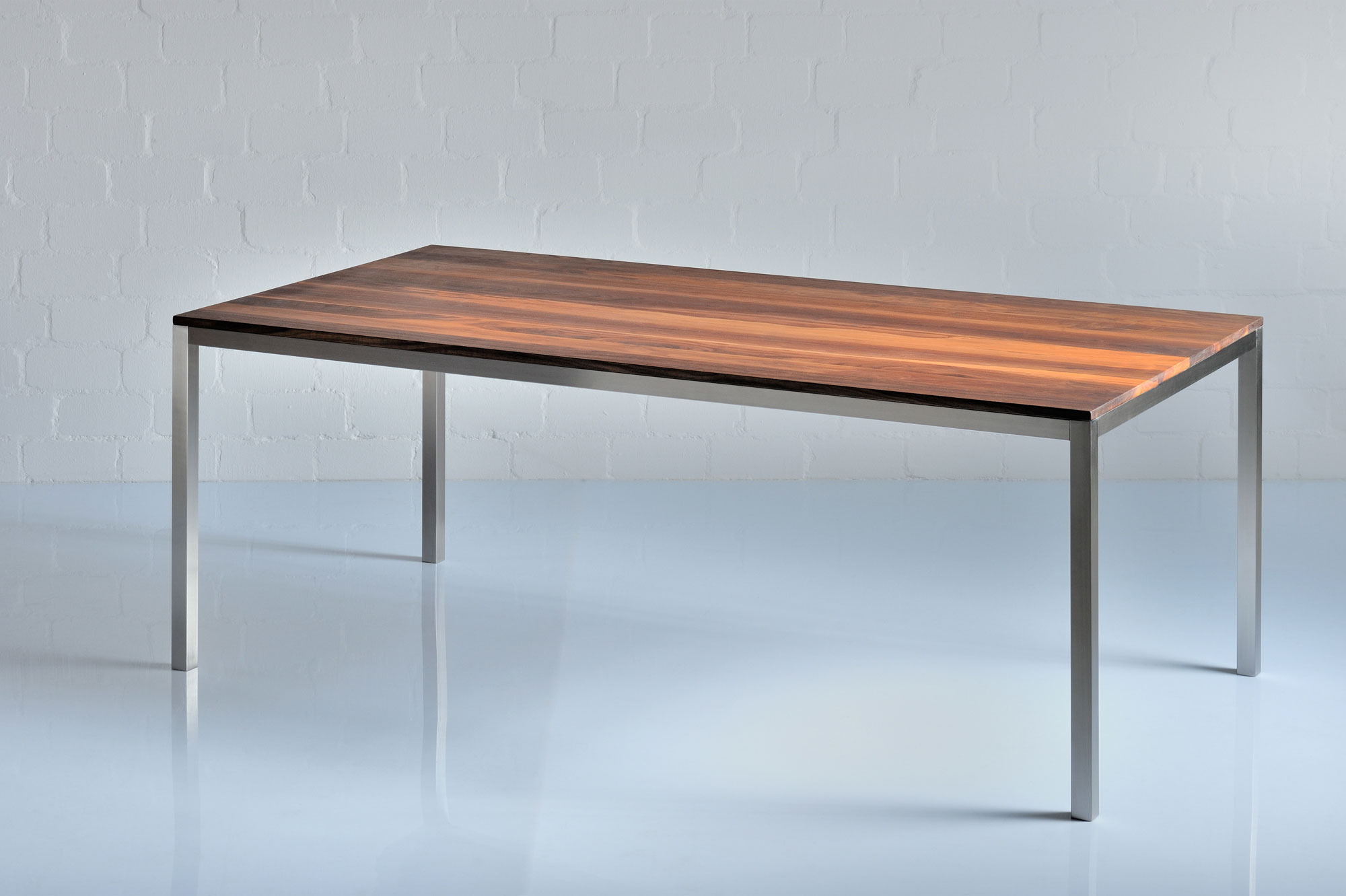 Aluminium Wood Table NOJUS 0988a custom made in solid wood by vitamin design