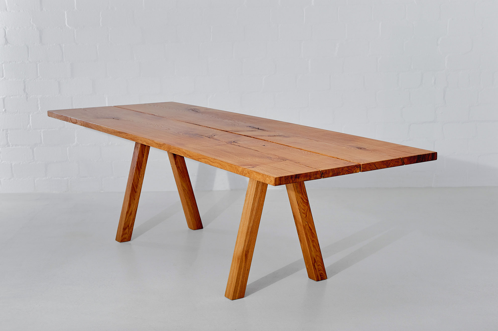 Designer Tree Trunk Table PAPILIO Edited custom made in solid wood by vitamin design