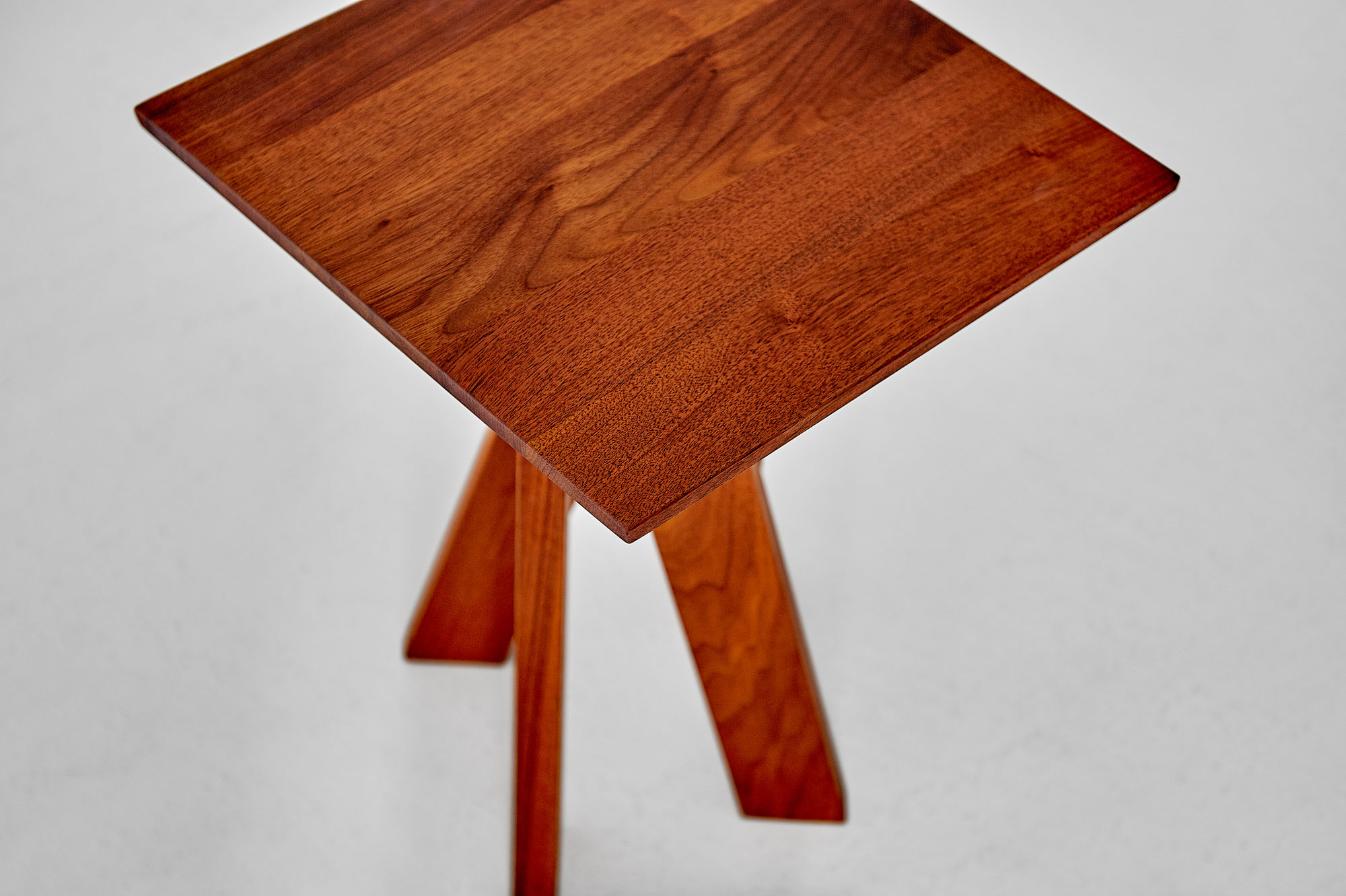 Designer Coffee Table ZIRKEL QG Edited custom made in solid wood by vitamin design